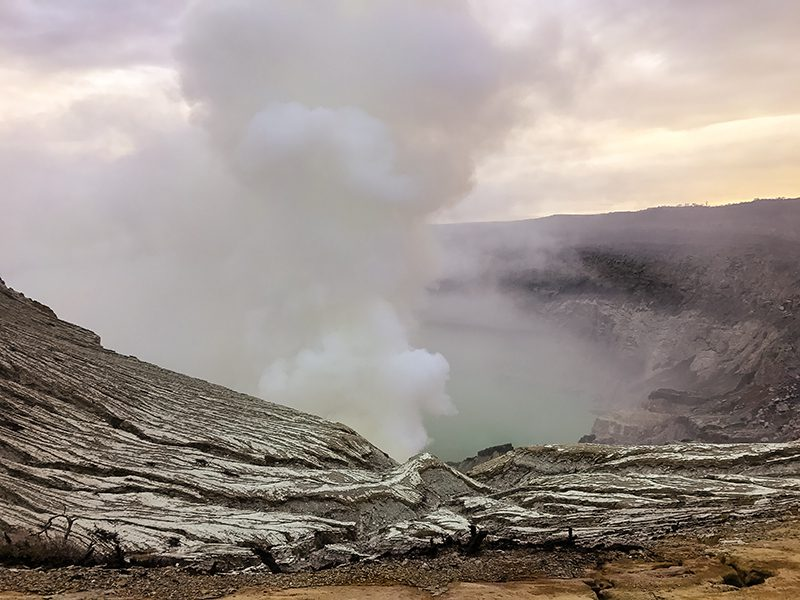 Ijen volcano crater in the daylight | The Silver Nomad